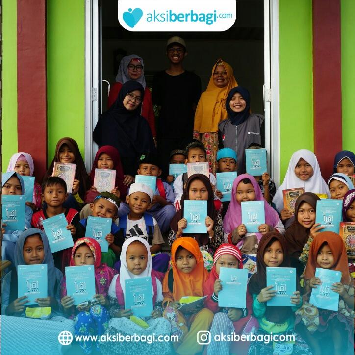 Al Quran dan Iqra untuk Santri TPA di Desa Cibereum