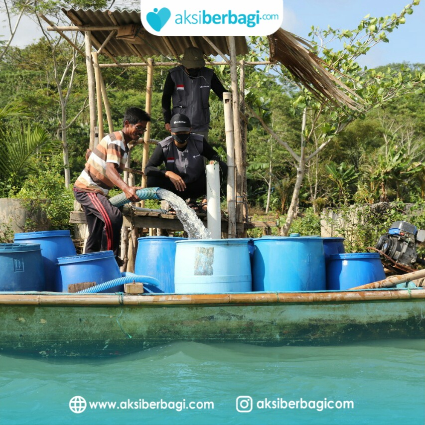 Toren Air Bersih untuk Warga Desa Cibereum