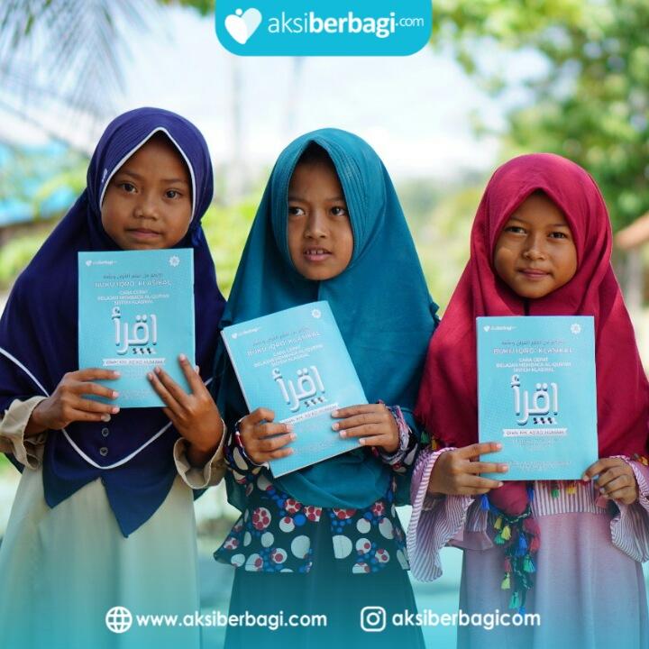 Penyaluran Al Quran dan Iqra untuk Santri TPA di Desa Klaces